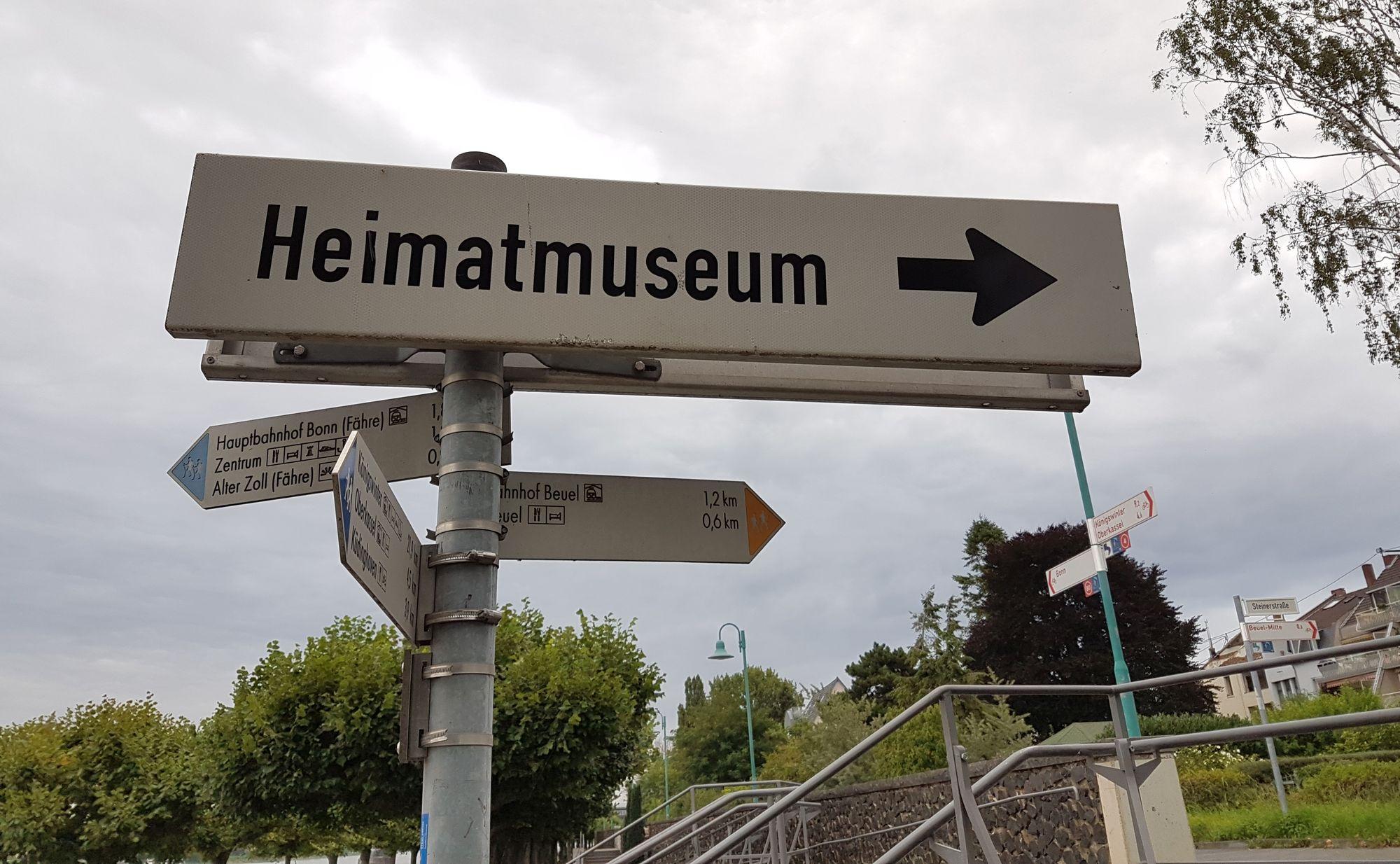 Wegweiser zum Heimatmuseum