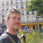 Kai entdeckt einen Fahrradladen in Paris