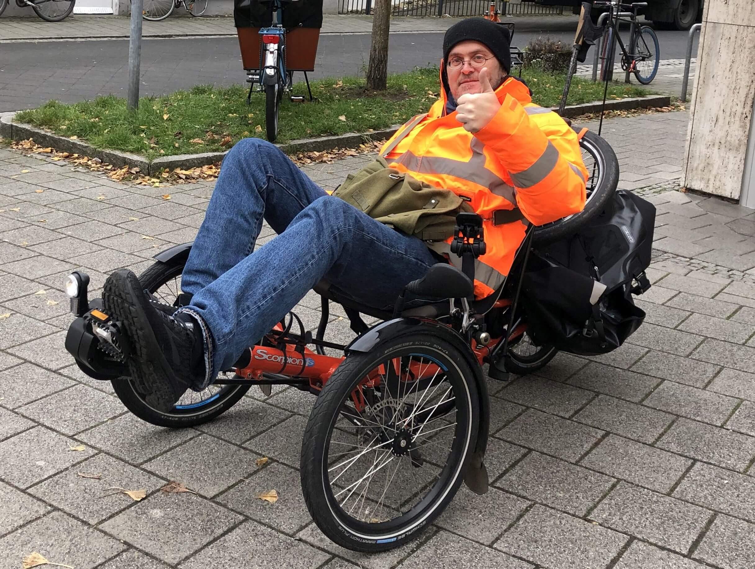 Kai mit motorisiertem Rad
